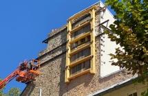 Etaiement d'urgence d'un pan de mur pignon en partie effrondé, Avenue de Saint-Cloud, Versailles (78)